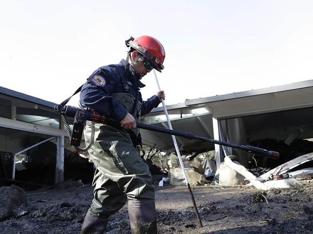 Tungt räddningsarbete i Kalifornien