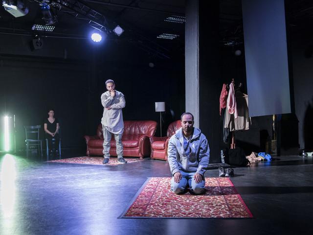 """""""Jihadisten"""" samtidsrelevant teater som väcker fler frågor"""