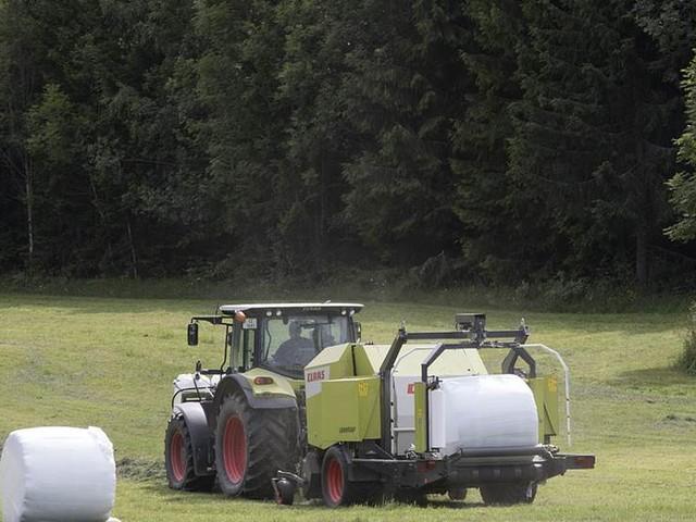 Man överkörd av traktor