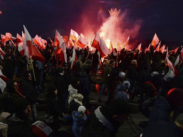 Folkmassan drömmer om att låsa in Polen och kasta bort nyckeln
