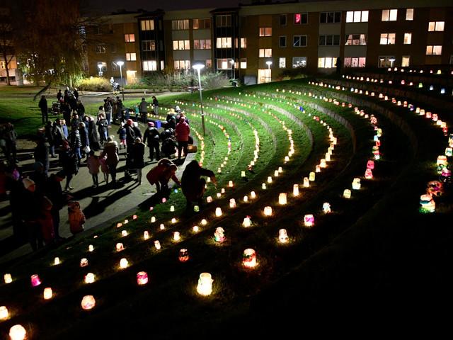 400 lyktor på Rosengård – manifesterar barns rättigheter
