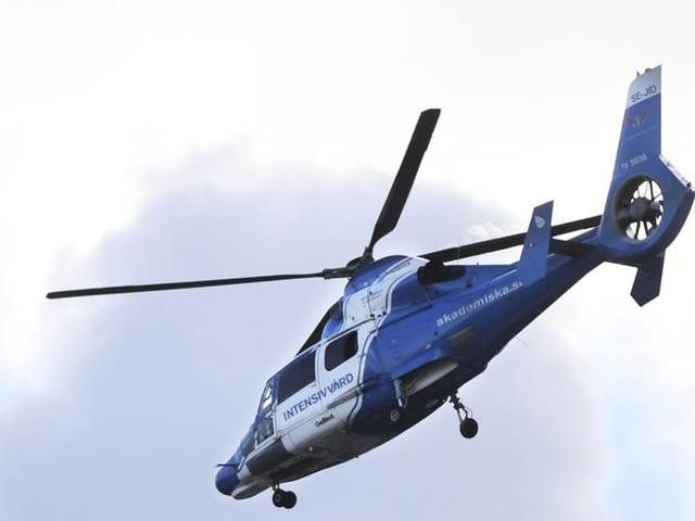 Ambulanshelikopter besköts med laser