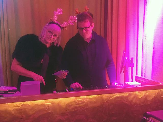 Julmusiken du inte visste fanns – Anna-Lena Lodenius och Fredrik af Trampe är tillbaks i radion
