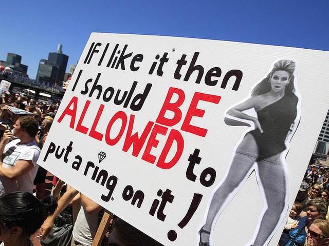 Australien kan poströsta om gayäktenskap