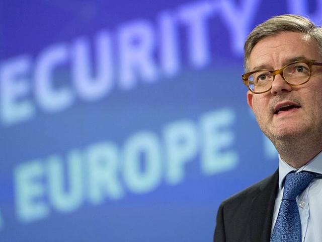 EU-sökningar ska stoppa vid gränsen