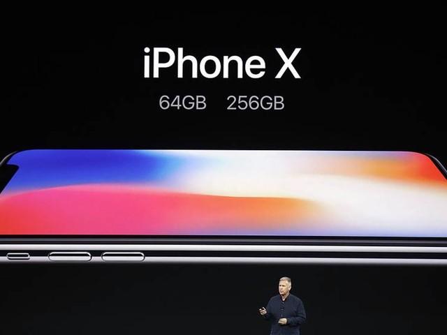 Nya Iphone blir upplåst med en blick