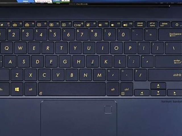 Test: Snygga Asus Zenbook 3 Deluxe klår bara Macbook Pro på två punkter