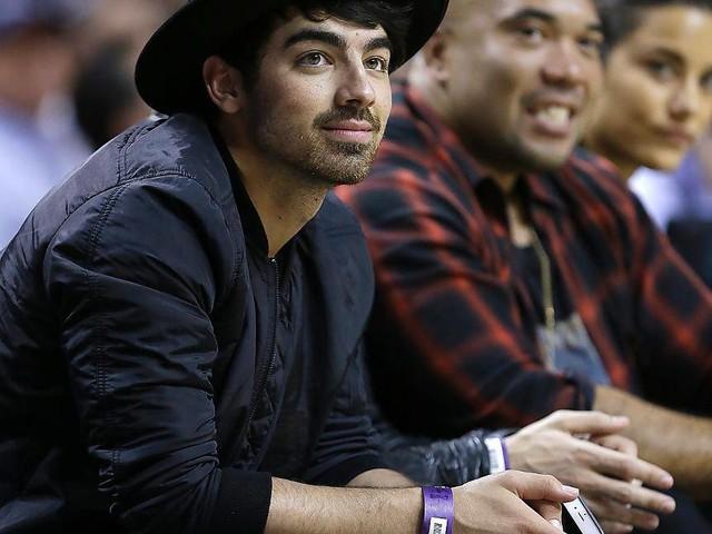 Ekonomin bäddade för Joe Jonas romans