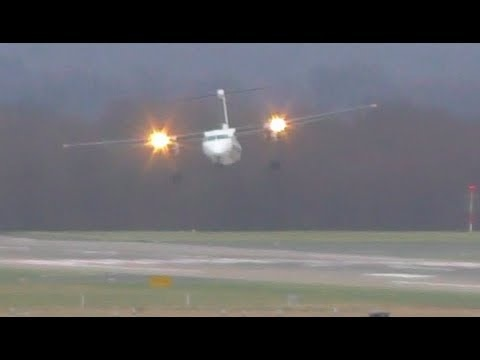 Flygplan landar med sidvindar på 110 km/h