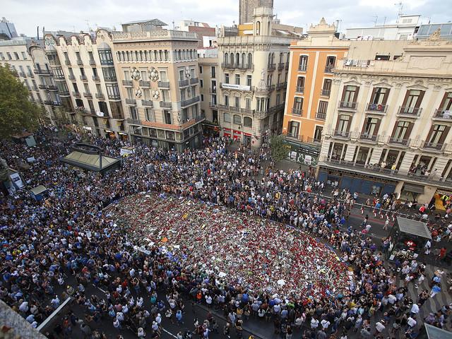 Misstänkta gripna för terror i Barcelona
