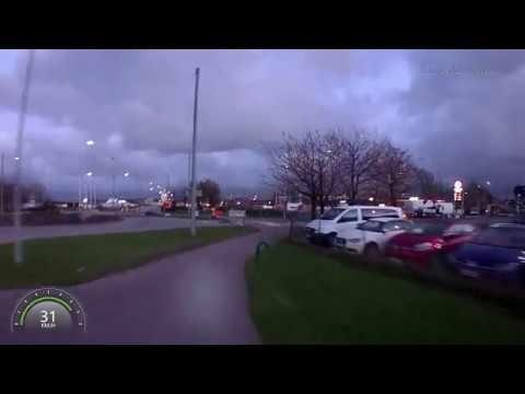 FILM: Trafikverkets farliga staket på cykelbanan vid Marieholmstunnelbygget