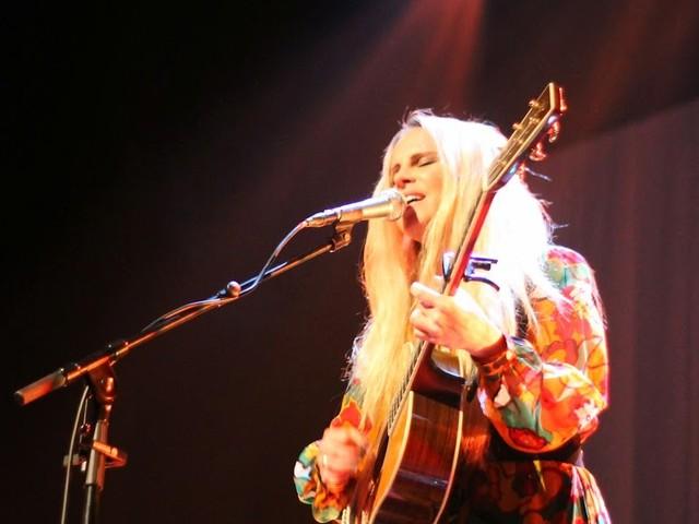Lisa Miskovsky på konserthuset i Bollnäs