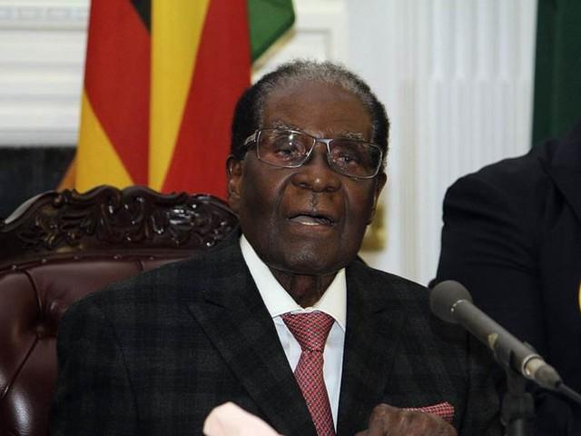 Mugabes parti påbörjar riksrättsprocess