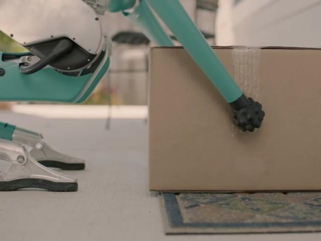 Ford testar hemleveranser med tvåbenta robotar