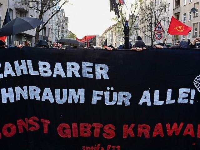 Protester när bokhandel tvingas bort från trendig Berlin-stadsdel