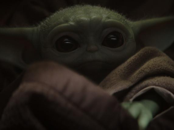 """Baby Yoda"" intar julhandeln"