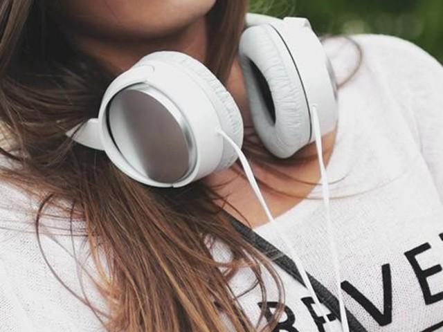 Smart app hjälper dig hitta bästa poddarna att lyssna på i sommar