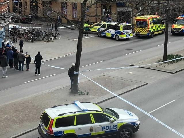 Polis larmad till skottlossning på Bergsgatan – stort område avspärrat