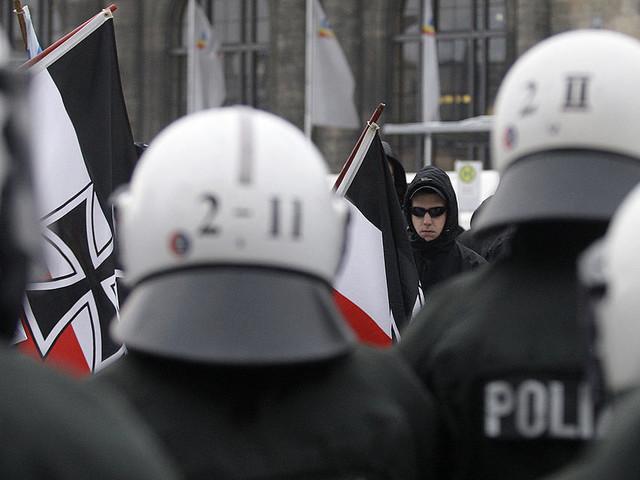 Tyska nynazister firar Hitlers födelsedag