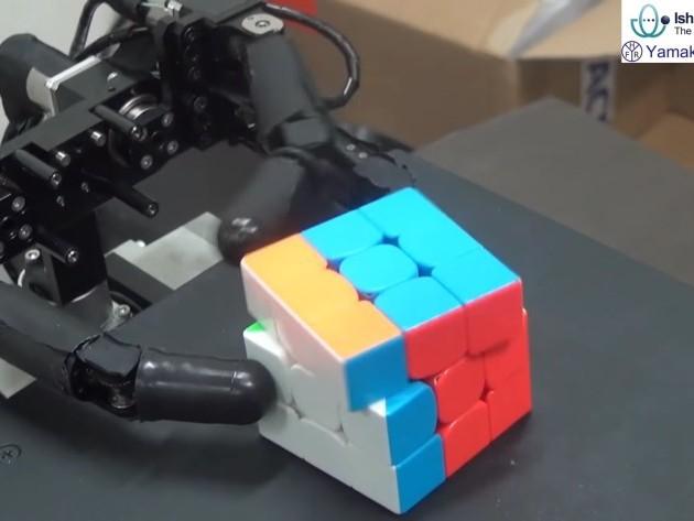 Trefingrad robothand löser Rubiks kub på 10 sekunder