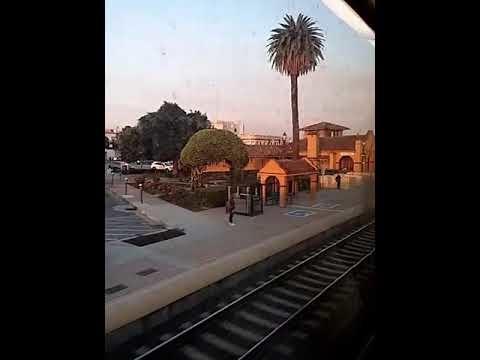 Tågvideo från Burlingame i Silicon Valley