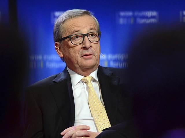 Offensiv kurs från kapten Juncker i EU