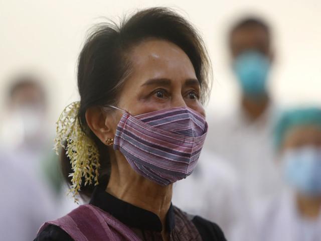 Suu Kyi i rätten för första gången sedan kupp