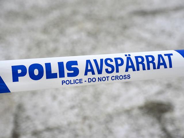 Två anhållna för attack på kvinnor i lägenhet