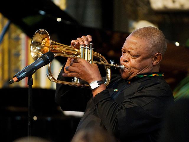 Hugh Masekela har avlidit