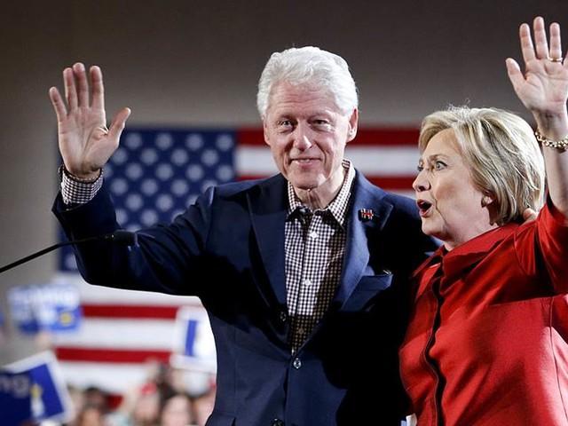 Sessions lovar snabbt besked om Clintongranskning