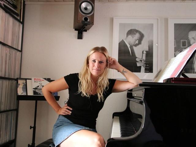 Hannah Svensson låter konsten ackompanjera nya skivan
