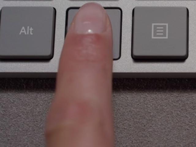 Microsoft släpper nytt tangentbord med gömd fingeravtryckläsare