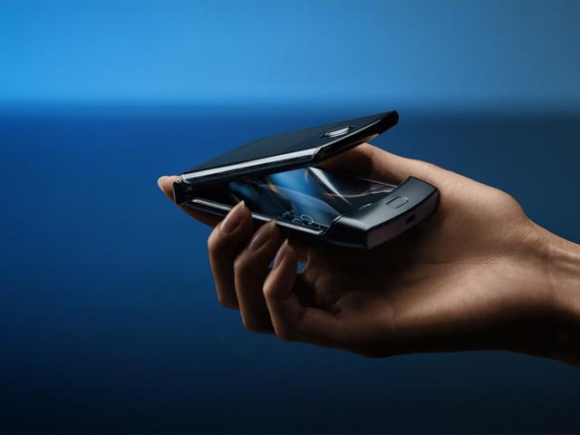 Tele2 kommer sälja vikbara Motorola Razr, släpps 24 januari