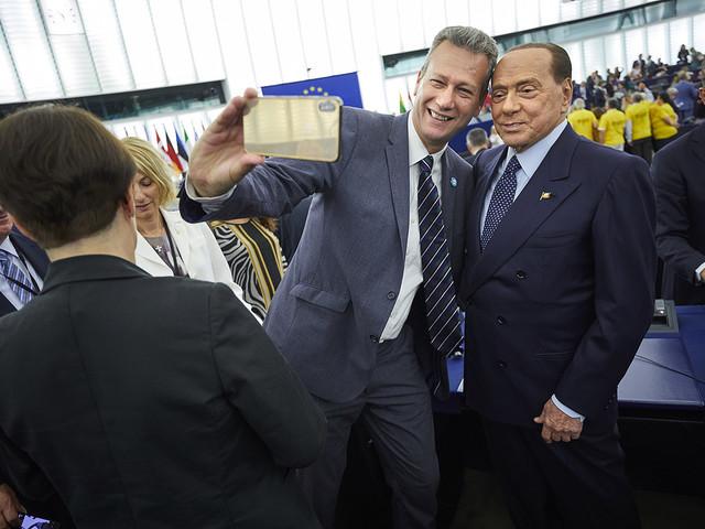 Smygstart för nytt EU-parlament