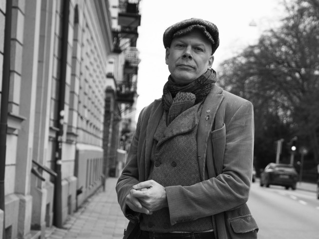 Magiskt, festligt och vemodigt nostalgiskt i Niklas Qvarnströms roman