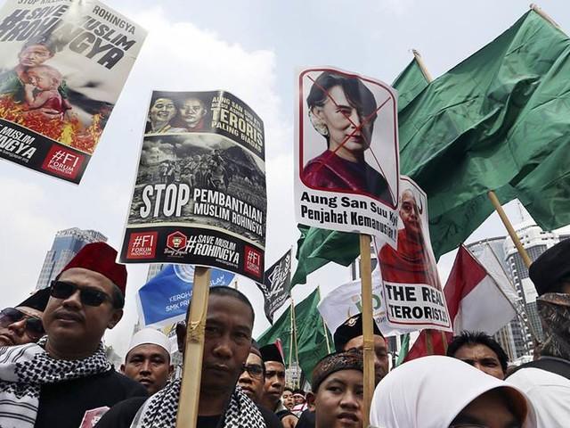 Förhoppningar att Suu Kyi fördömer Burmavåld