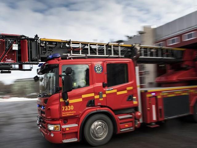 Kraftig villabrand i Nykvarn