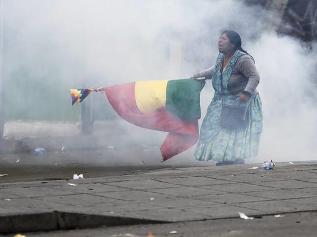 Oroligt i La Paz – Morales lovar återkomst
