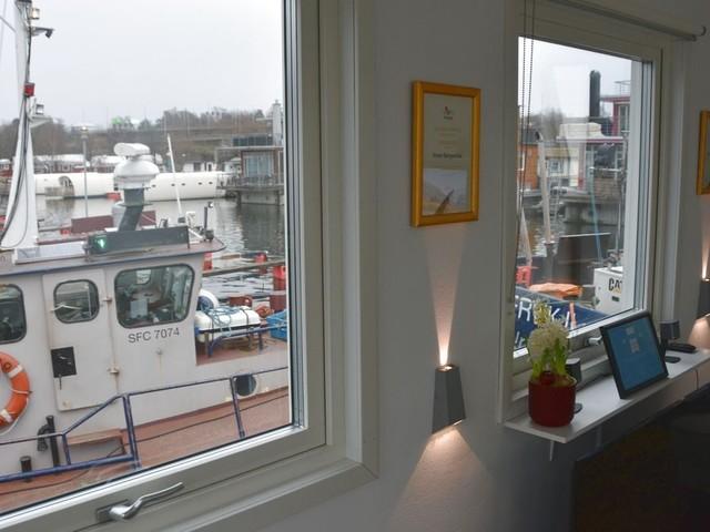 Utsikt från en husbåt