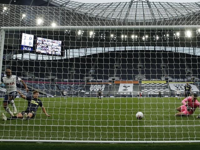 Newcastle räddade av VAR mot Tottenham