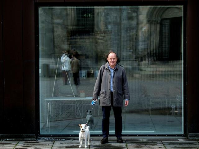 Hundpromenaderna blev bok över älskad stad