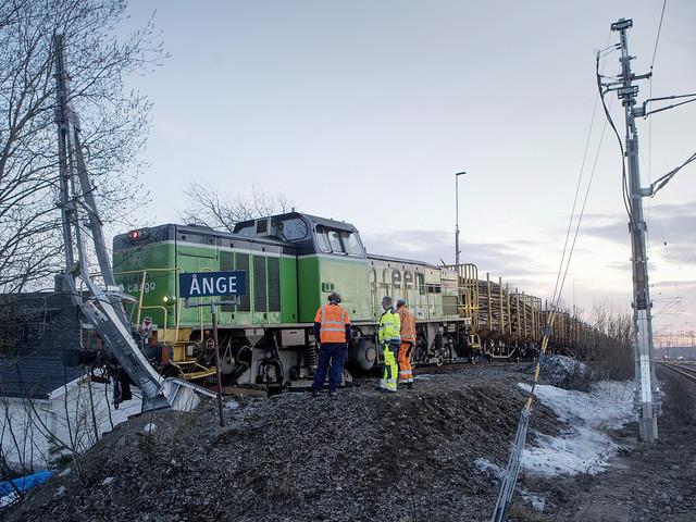 Urspårat tåg i Ånge har bärgats