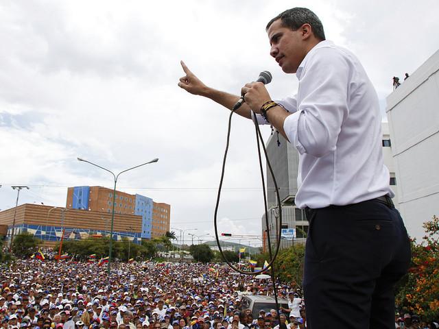 Guaidó skeptisk inför samtal med regeringen