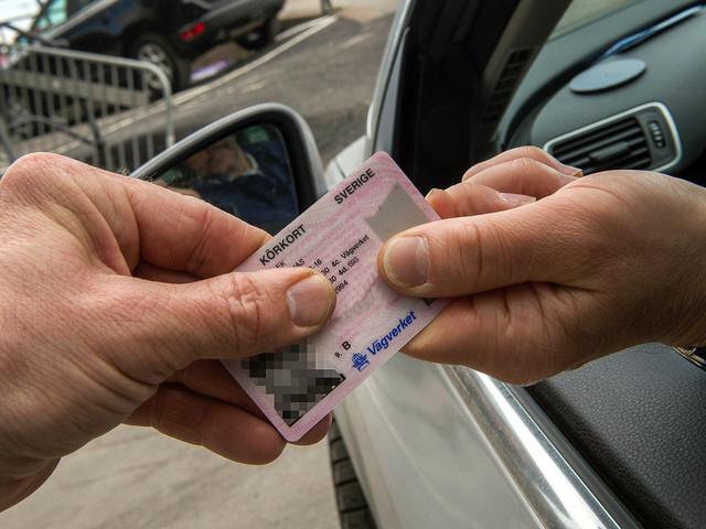 Chefsläkare vill dra in körkortet från fler sjuka skåningar