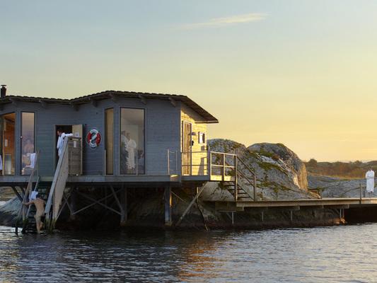 Bastu med bästa havsläge på Björholmen