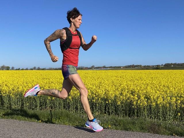 Skånsk ultralöpare ska slå personligt rekord – och samla in pengar