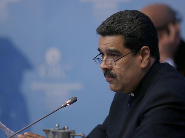 Maduro stoppar trafiken till öar