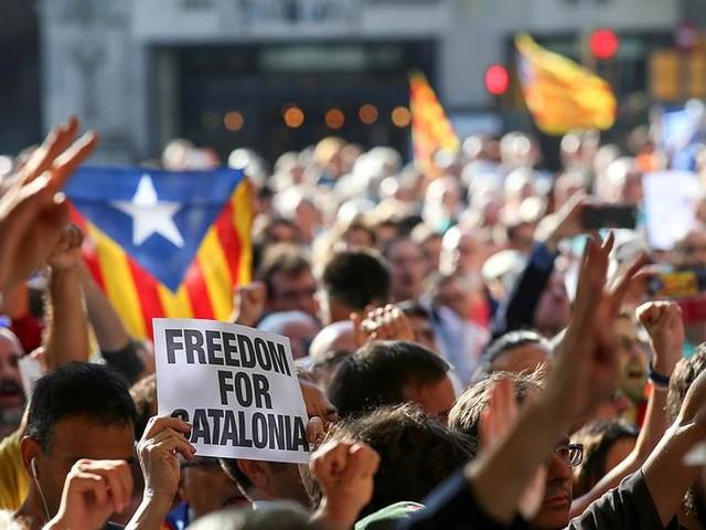 """""""Värsta krisen i Spanien sedan statskuppen"""""""