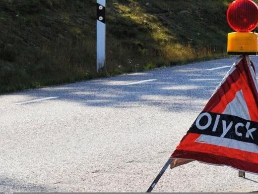 Olycka: Tre personbilar i krock på Sandsbrovägen