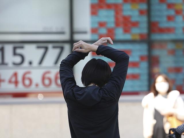 Börsfall och stark valuta i Japan